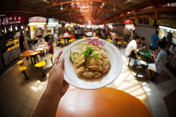 Tian Tian Chicken Rice at Maxwell Hawker Center, Singapore. Image courtesy of Singapore Tourism Board.