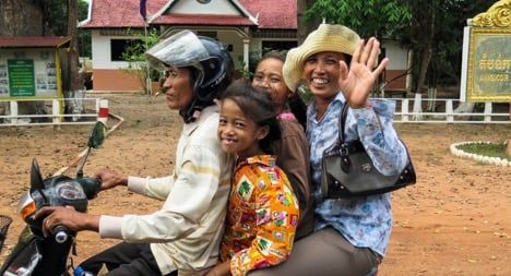 Cambodian family in Siem Reap / Visualhunt