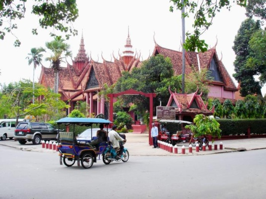 Royal Palace in Phnom Penh stands Cambodia's National Museum, the country's repository for valuable Khmer ceramics, wood carvings, silverware, and jewelry.
