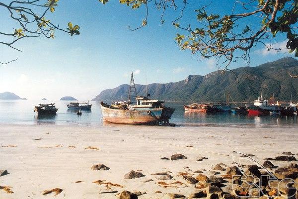 Con Dao beach. Image courtesy of the Viet Nam National Administration of Tourism.