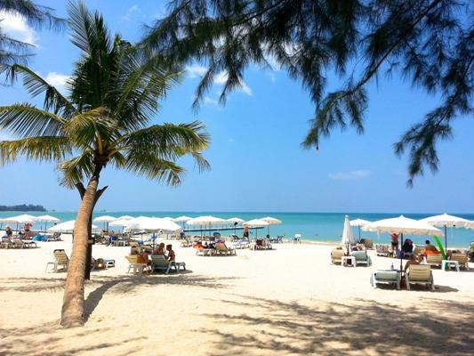 Khao Lak Beach. Image courtesy of Tourism Authority of Thailand.