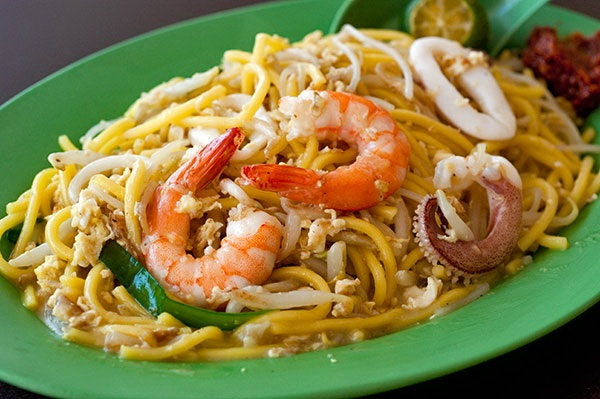 Singapore Fried Hokkien Mee. Image courtesy of Julia Khoo, used with permission.