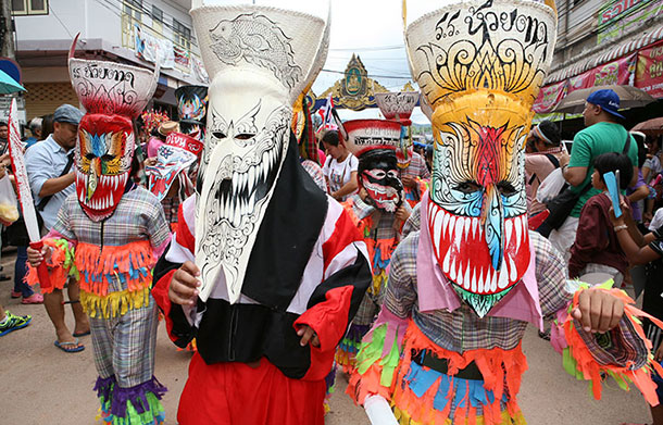 Phi Ta Kon parade participants. Image courtesy of the Tourism Authority of Thailand.