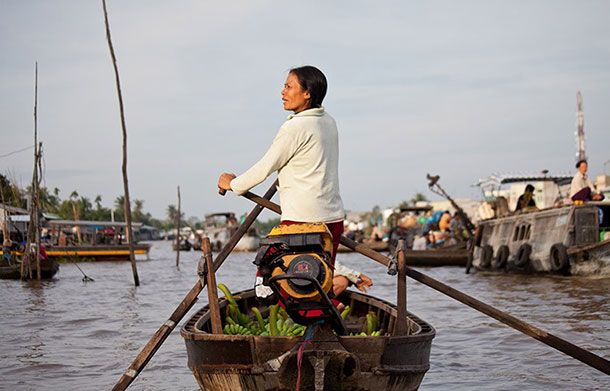 Boat Woman on Phong Dien