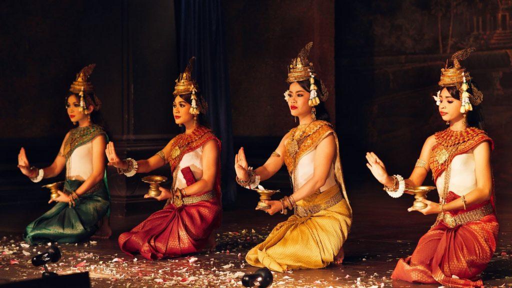 Women Performing Apsara Dance in Cambodia / Shutterstock