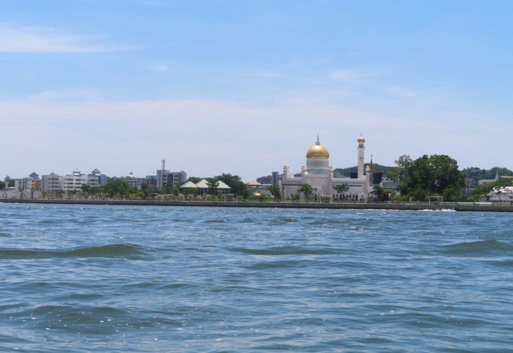 Riverside View of Istana Nurul Iman / Shutterstock