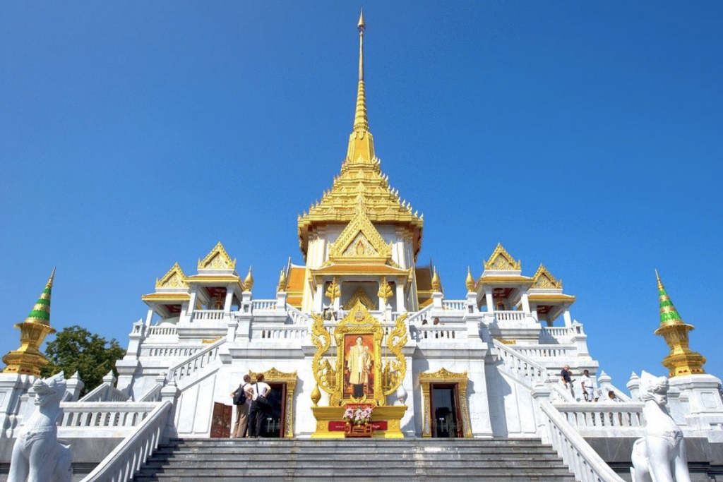 Wat Traimit | Visit SE Asia
